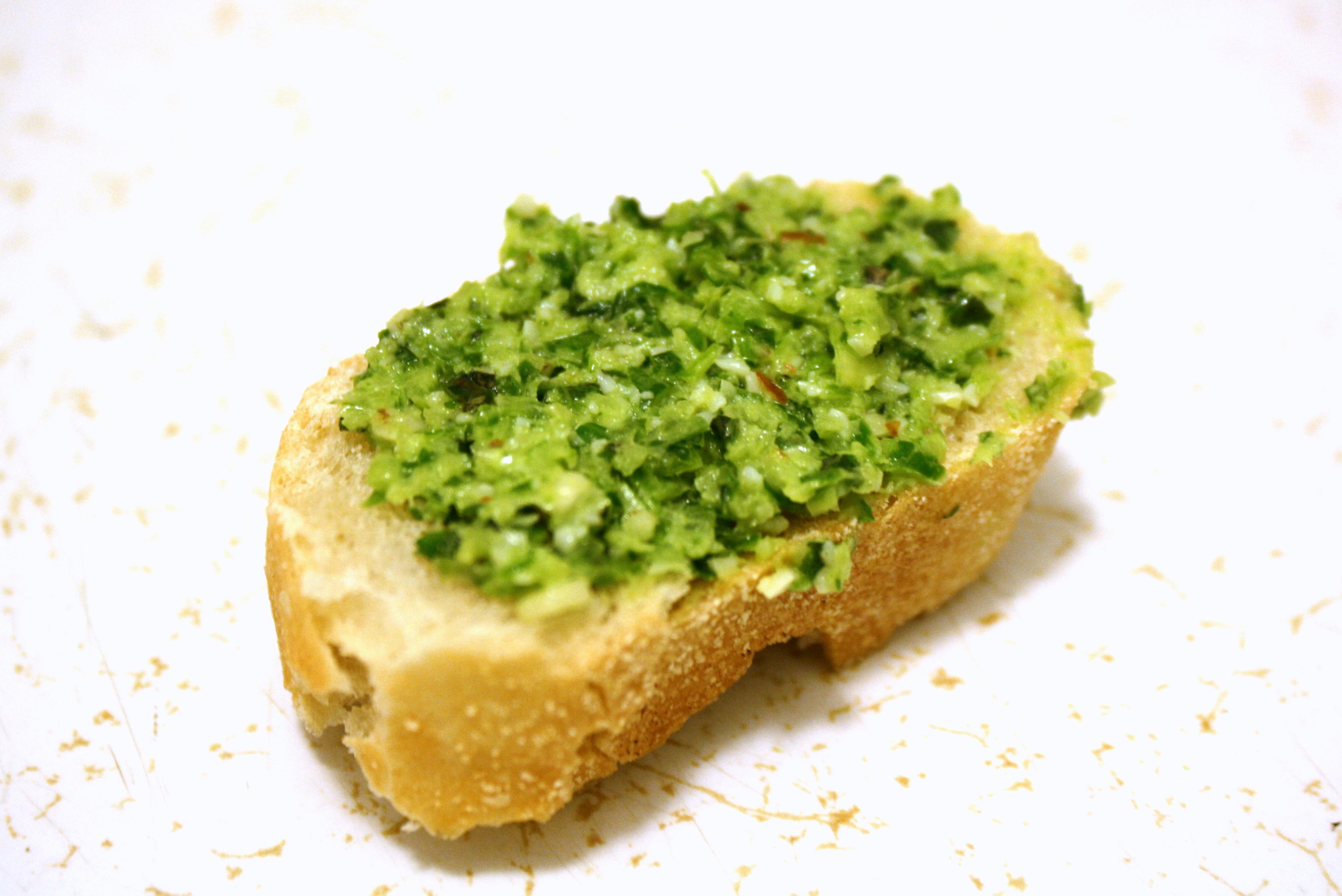 garlic scape week} pesto!
