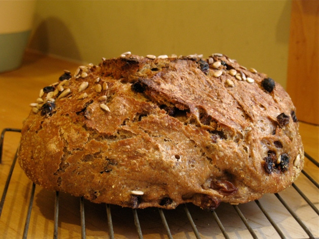 gd_baking_bread_raisin_loaf2