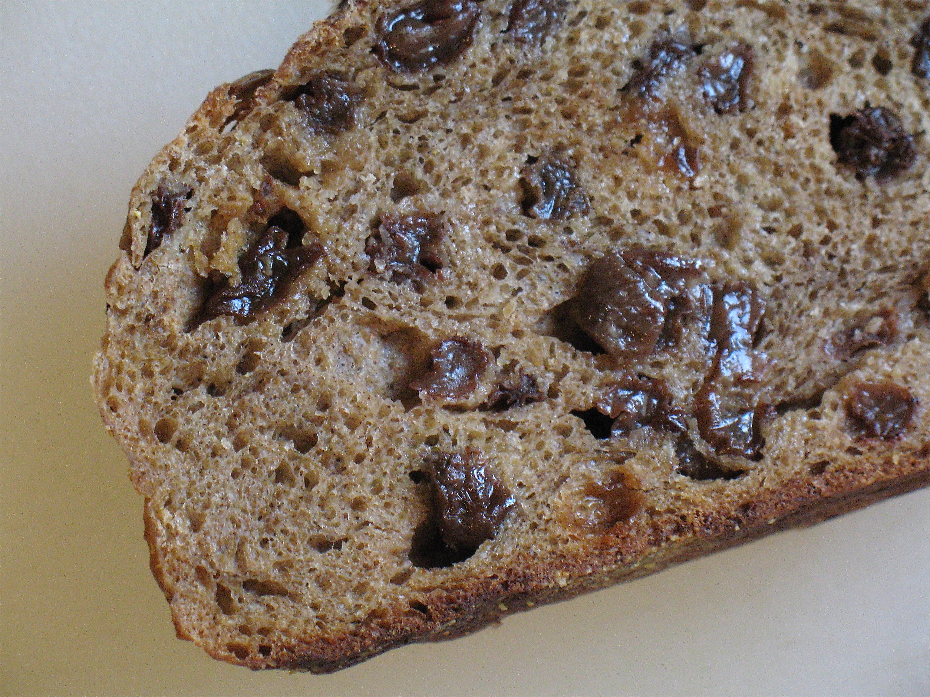 gd_baking_bread_raisin_loaf_interior