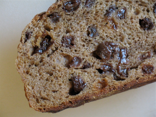 gd_baking_bread_raisin_loaf_interior