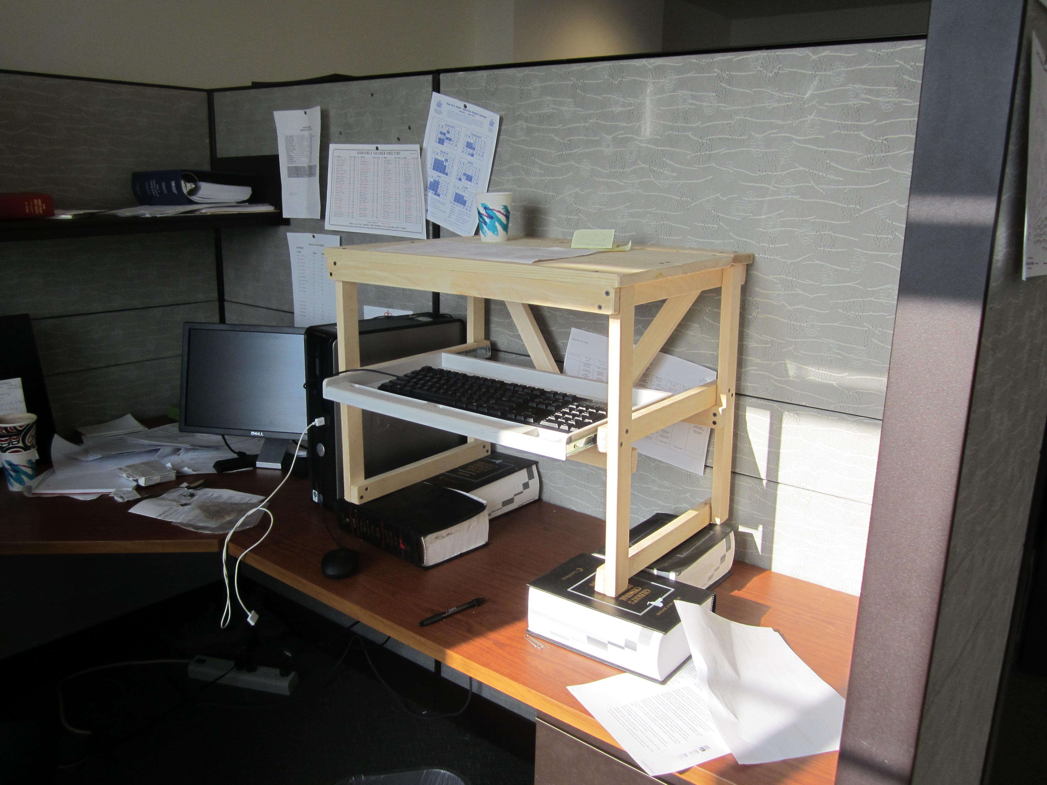 Diy standing desk plans - Stand Up Desk Number 1