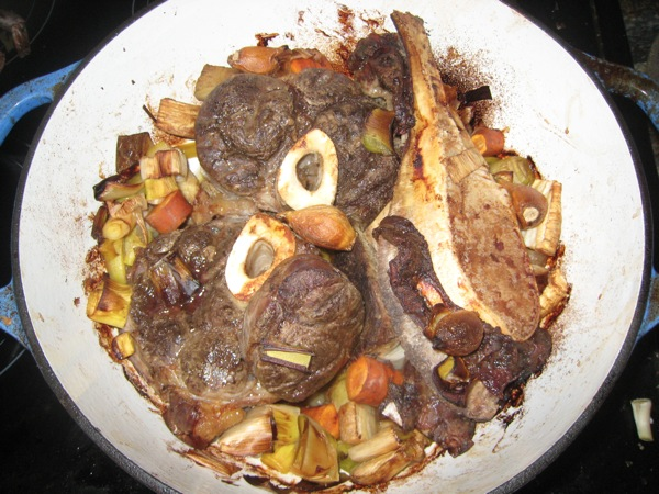 Roasted-beef-stock-ingredients.JPG