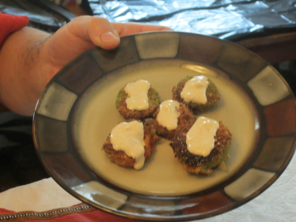Fried green tomatoes, with sauce